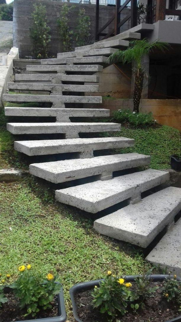 پله های گرد بتنی